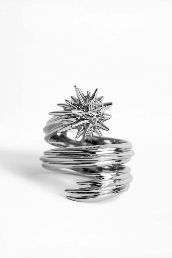 ZV x Cécil Comet Ring